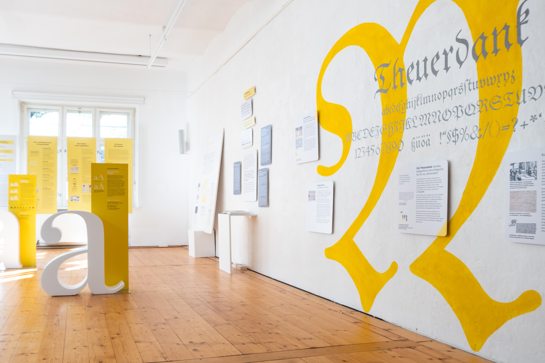 Ausstellung Breaking Types